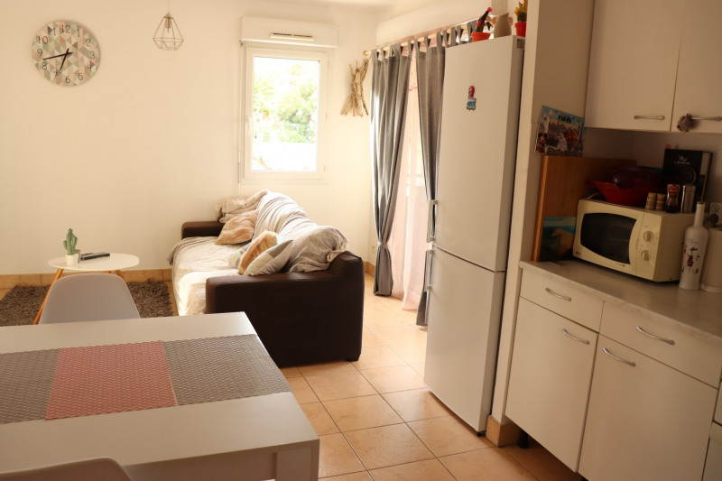 Rental apartment Cavalaire 800€ CC - Picture 2