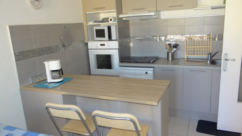 Vacation rental apartment Cavalaire 400€ - Picture 3