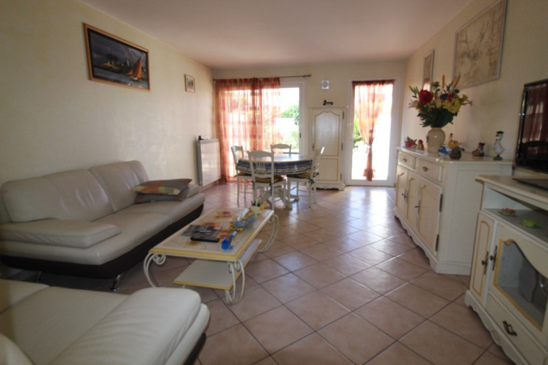 Vente maison / villa Hyeres 280900€ - Photo 4