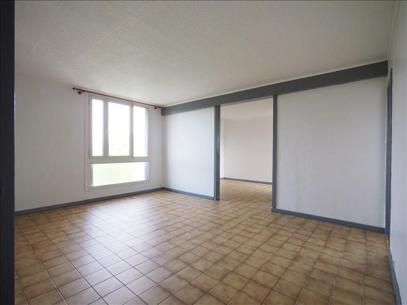 Rental apartment Bois d arcy 986€ CC - Picture 1