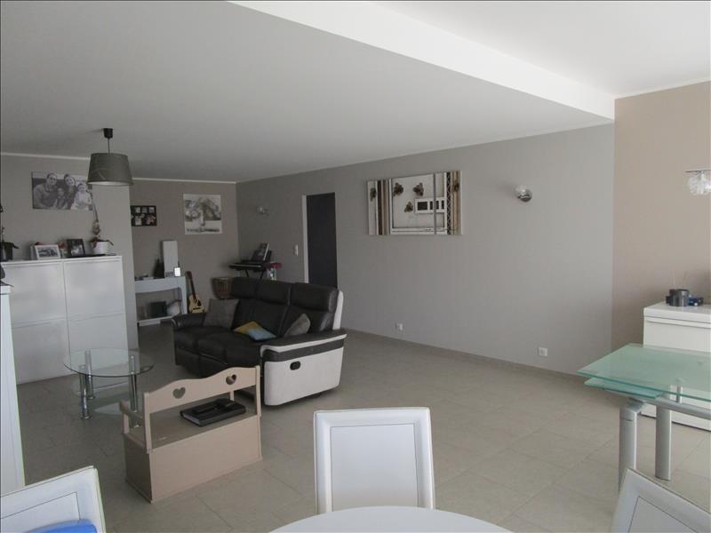 Sale house / villa St gelais 269000€ - Picture 2