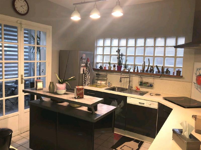 Sale house / villa Beauchamp 499000€ - Picture 2