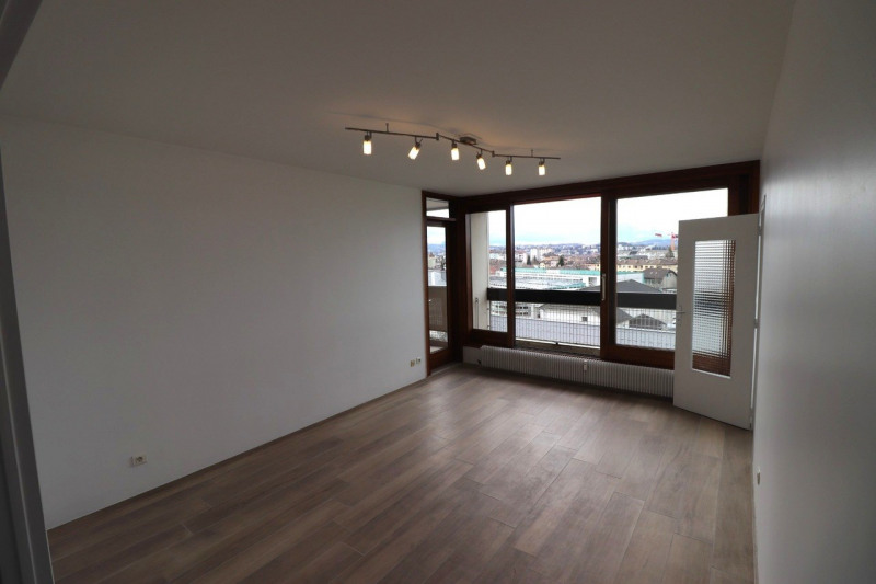 Location appartement Annecy 1065€ CC - Photo 1