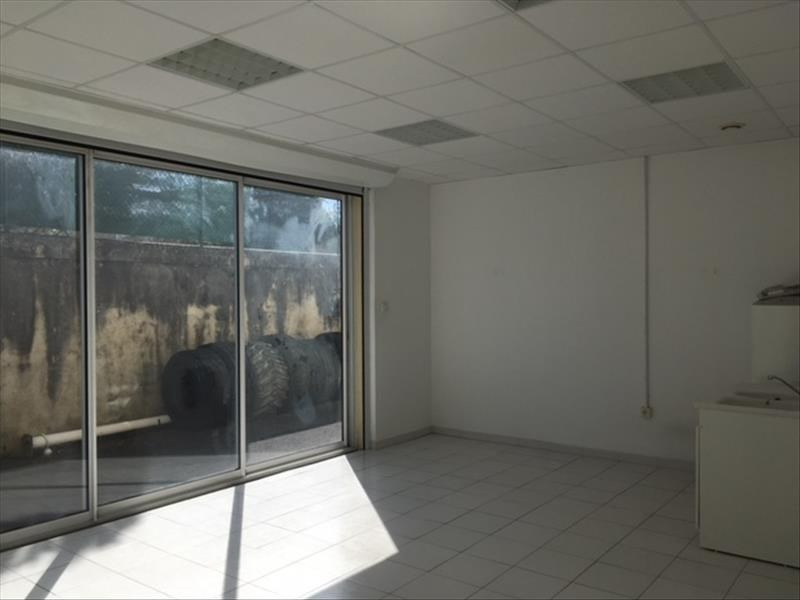 Rental empty room/storage Chateaubernard 700€ HT/HC - Picture 2
