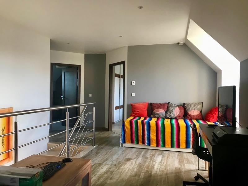 Sale house / villa Montfort l amaury 672000€ - Picture 4