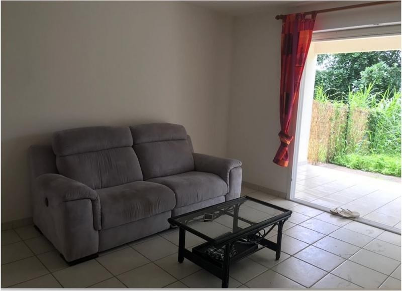 Location appartement Riviere salee 550€ CC - Photo 3
