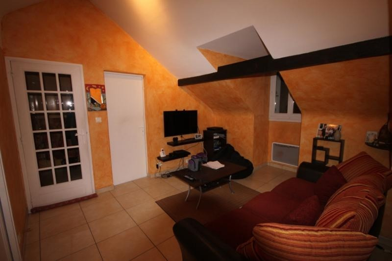 Sale apartment Oloron ste marie 65 625€ - Picture 2