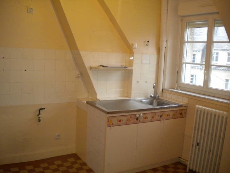 Rental apartment Vendome 472€ CC - Picture 3