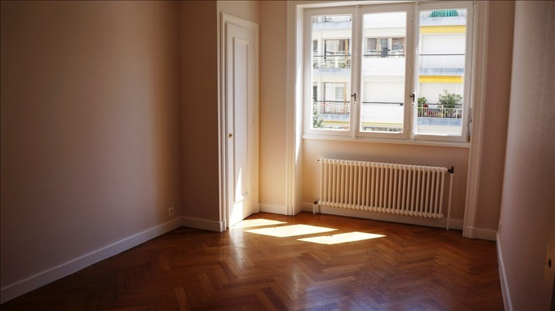 Location appartement Lyon 6ème 1 270€ CC - Photo 3