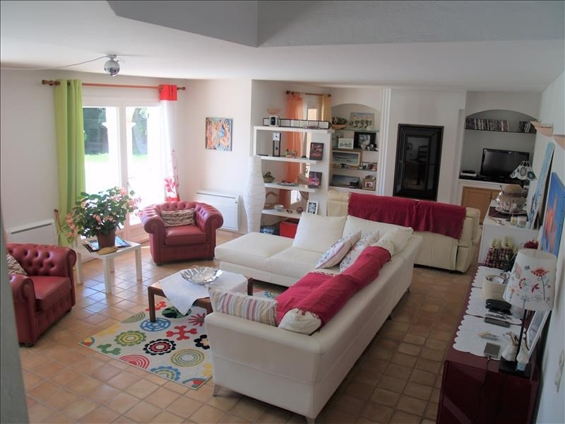 Deluxe sale house / villa Les issambres 840000€ - Picture 2