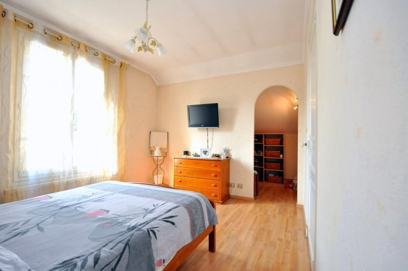 Sale house / villa Breuillet 239000€ - Picture 11