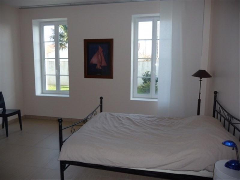 Sale house / villa Le chateau d'oleron 548550€ - Picture 5