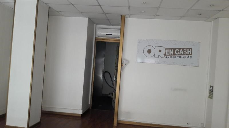 Location boutique Givors 533€ CC - Photo 3