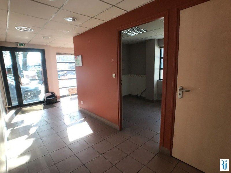 Rental empty room/storage Rouen 844€ CC - Picture 2