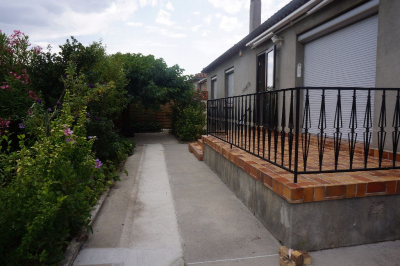 Location maison / villa Villesequelande 720€ CC - Photo 1