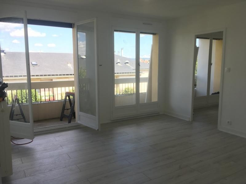 Location appartement Poissy 900€ CC - Photo 2