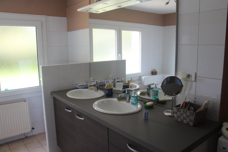 Sale house / villa Le pont de beauvoisin 259000€ - Picture 10