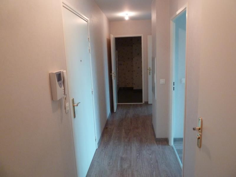 Location appartement Eragny sur oise 863€ CC - Photo 6