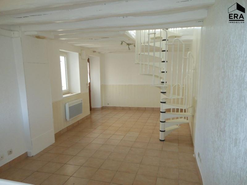 Rental house / villa Solers 650€ CC - Picture 2