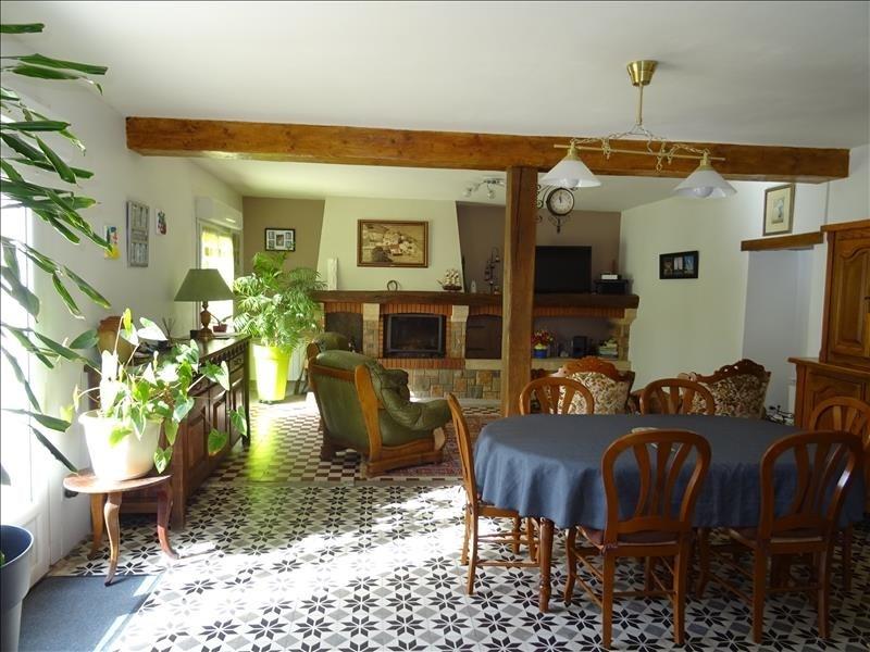 Sale house / villa Ambillou 272000€ - Picture 2