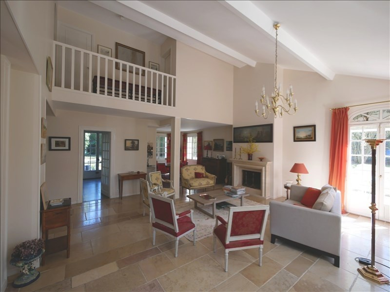 Sale house / villa Noisy le roi 920 000€ - Picture 2