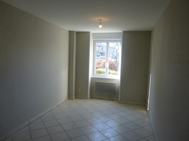 Location appartement Sarcey 350€ CC - Photo 2