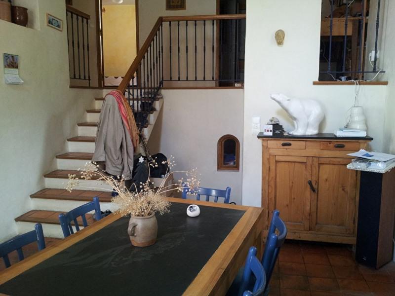 Location maison / villa Meyrargues 965€ CC - Photo 4