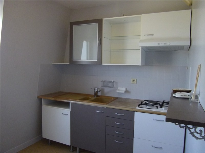 Rental apartment Vendome 465€ CC - Picture 1