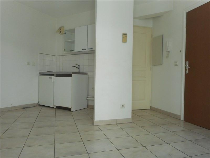 Locação apartamento Voiron 273€ CC - Fotografia 3