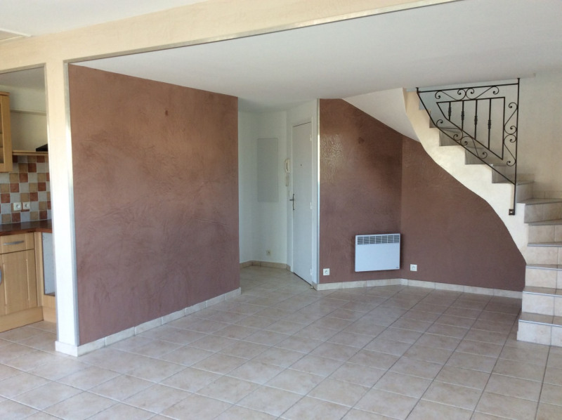 Rental apartment Fréjus 995€ CC - Picture 1