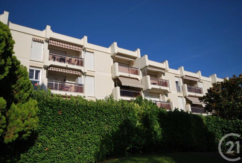 Rental apartment Antibes 1 050€ CC - Picture 1