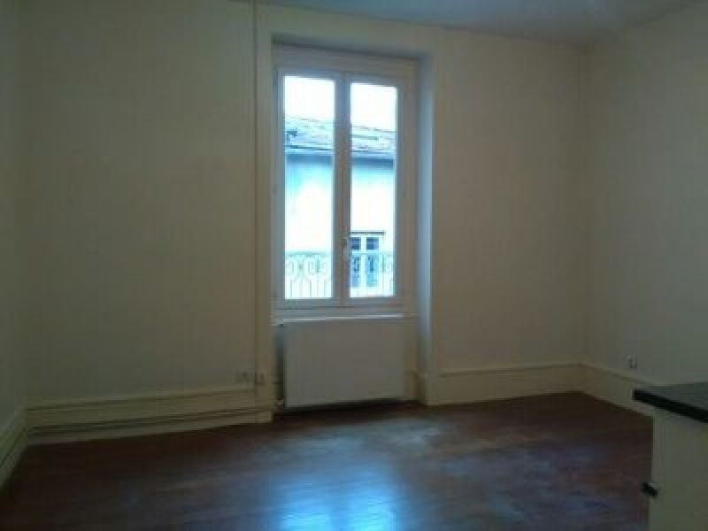Location appartement Oullins 547€ CC - Photo 2