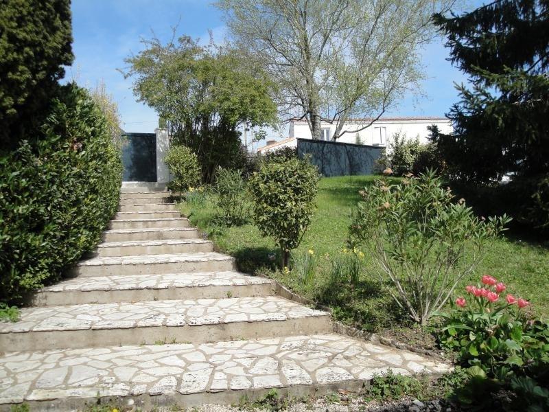 Deluxe sale house / villa Niort 586000€ - Picture 2
