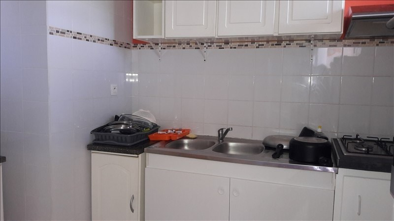 Rental apartment Le moule 750€ CC - Picture 3