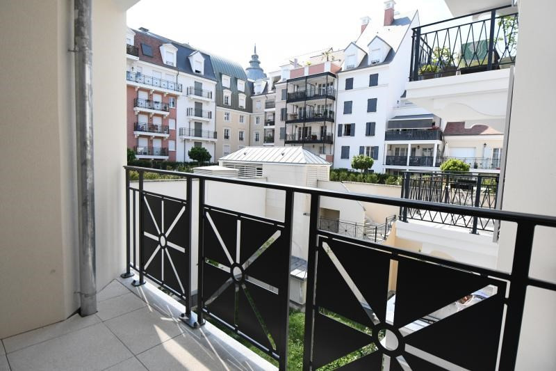 Rental apartment Le plessis robinson 880€ CC - Picture 3