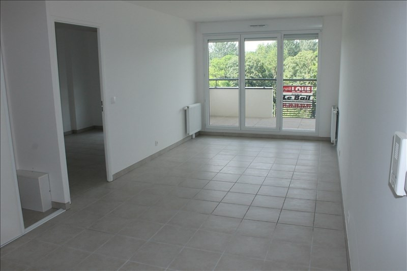 Rental apartment Osny 801€ CC - Picture 1