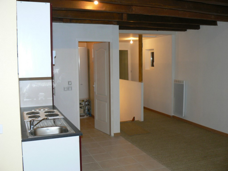 Sale apartment Chateau renault 56300€ - Picture 2