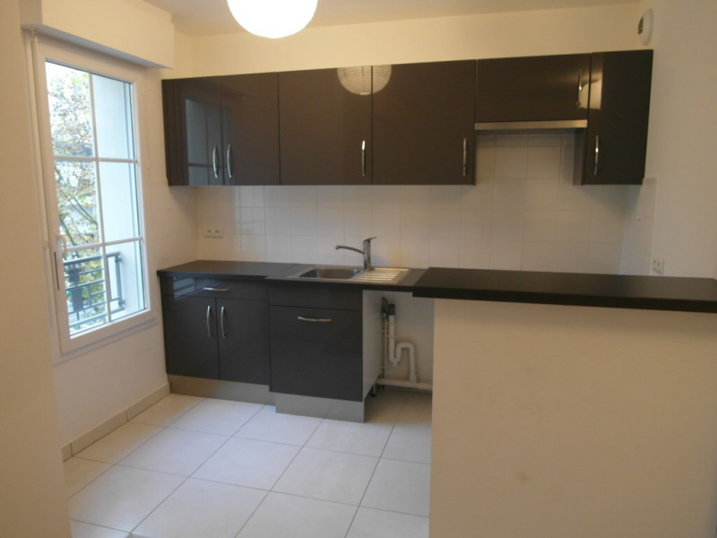 Rental apartment La garenne-colombes 1 268€ CC - Picture 2