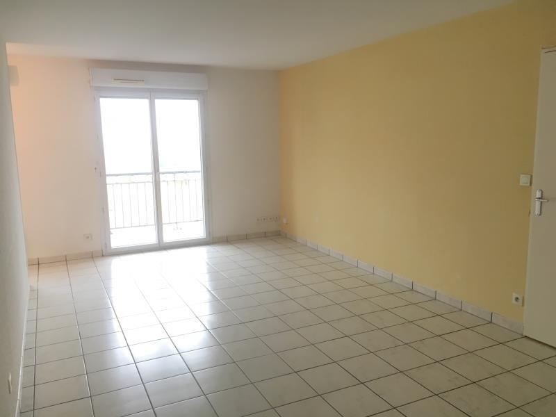 Rental apartment Vendome 450€ CC - Picture 1