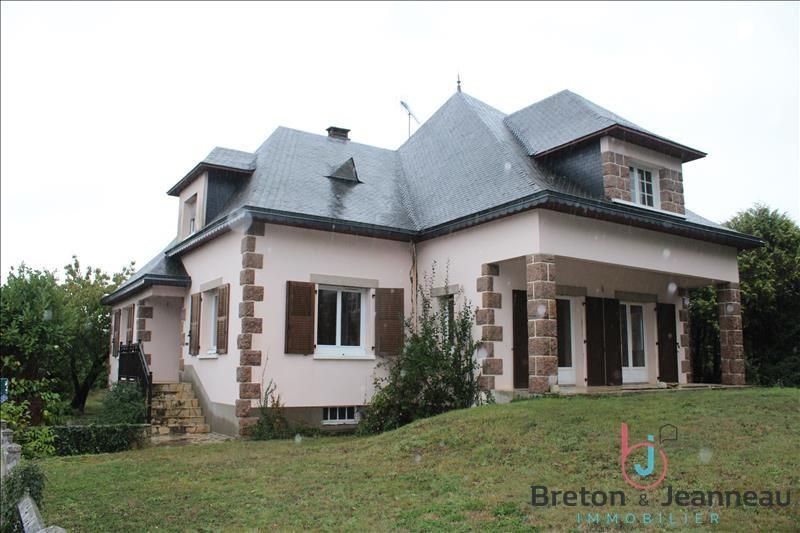 Sale house / villa Craon 176800€ - Picture 1