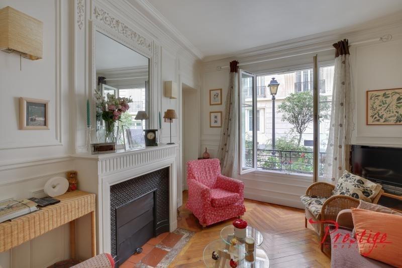 Sale apartment Paris 18ème 629000€ - Picture 1