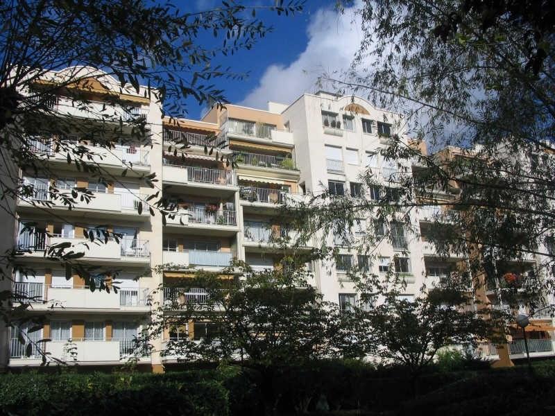 Rental apartment Puteaux 1950€ CC - Picture 2
