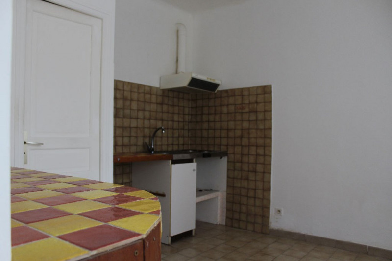 Location appartement Lambesc 350€ CC - Photo 1