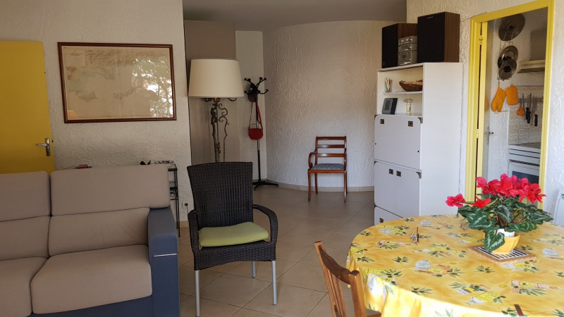 Location appartement Cavalaire-sur-mer 851€ CC - Photo 5
