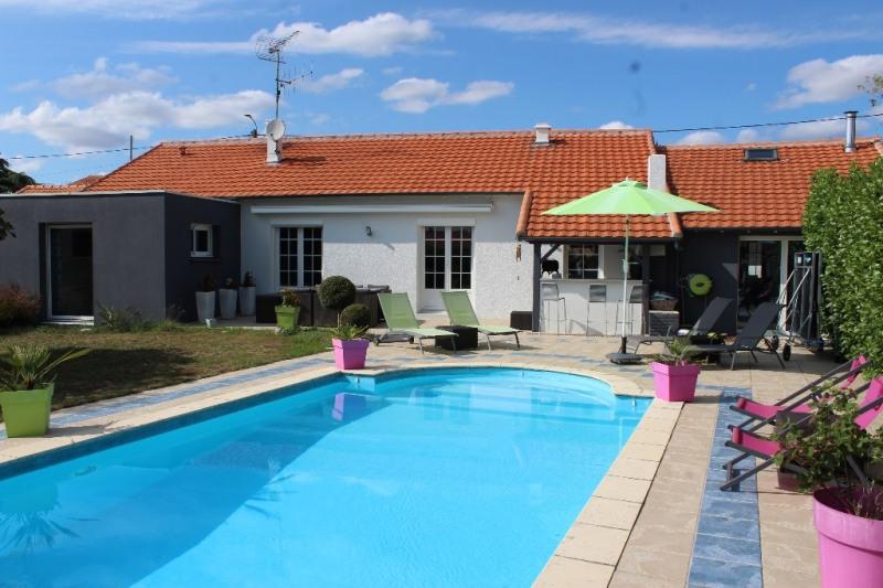 Sale house / villa Niort 373900€ - Picture 1