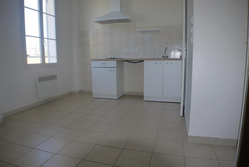 Rental apartment Marseille 9ème 525€ CC - Picture 1