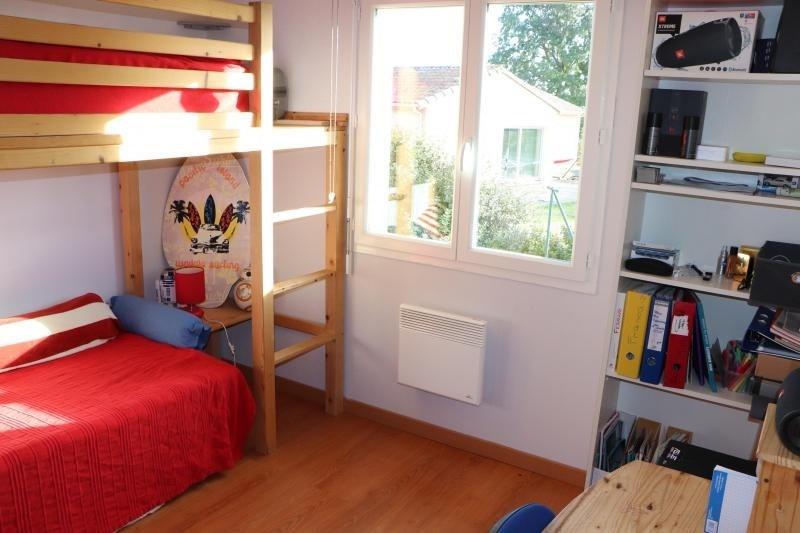 Vente maison / villa L isle jourdain 237300€ - Photo 10