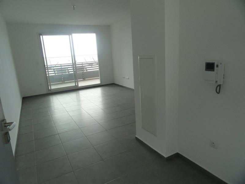 Location appartement La saline les bains 930€ CC - Photo 2