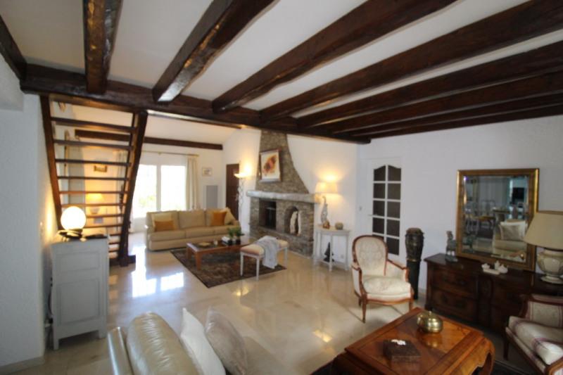 Vente de prestige maison / villa La crau 698800€ - Photo 6