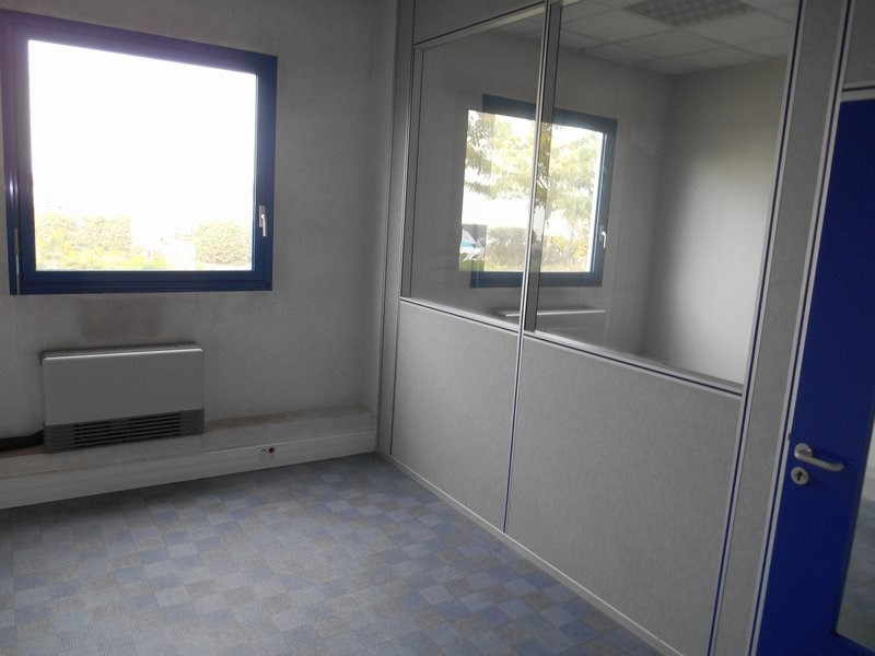 Location local commercial St quentin fallavier 5 417€ HC - Photo 6